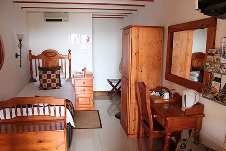mont-paradiso-guesthouse-accommodation-room-2