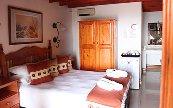 mont-paradiso-guesthouse-accommodation-room